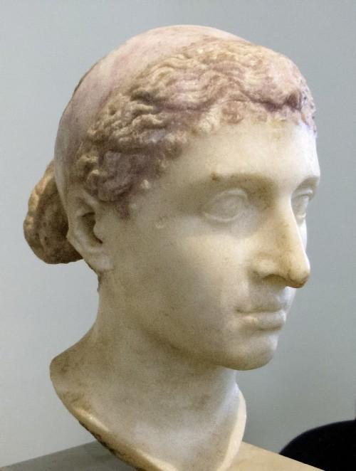36Cleopatra busto