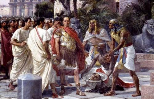 50LA CABEZA DE POMPEYO EL GRANDE. ASESINATO DE CNEO POMPEYO MAGNO EN EGIPTO. CNEO POMPEYO MAGNO. CAYO JULIO CÉSAR EN EGIPTO. BLOG IMPERIO ROMANO DE XAVIER VALDERAS